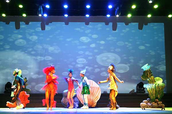 表演系儿童剧《东东的玩具王国》赴河北石家庄演出
